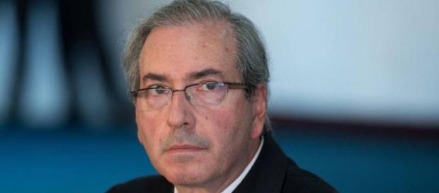 Cunha segue sendo investigado por contas na Suíça