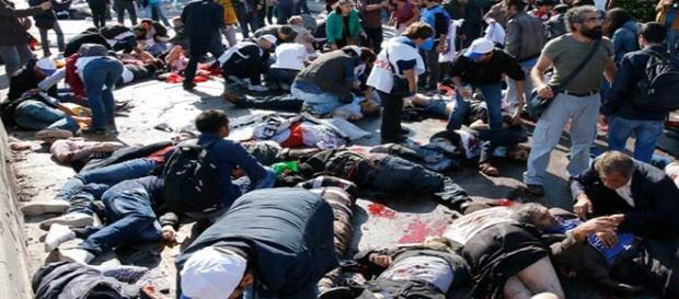 Várias vítimas morrem no local do ataque