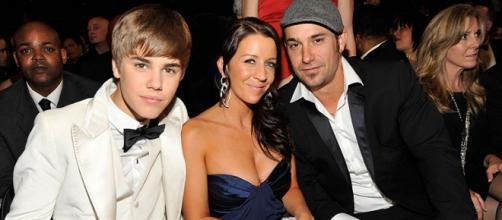 Justin Bieber teve vários problemas familiares.