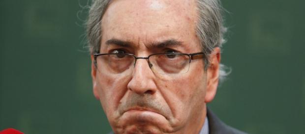 Cunha diz que não podem tirá-lo do poder