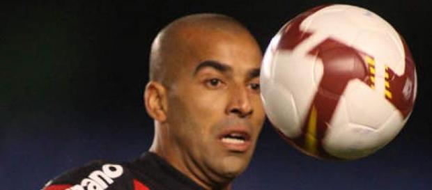 Emerson fez uns dos gols do Flamengo