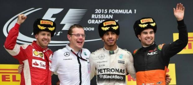 Podio GP Rusia 2015 . Hamilton,Vettel,Pérez.