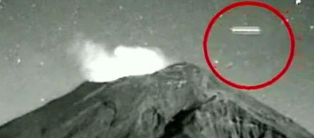 UFO sigariforme ripreso sul Popocatepetl