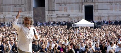 Beppe Grillo pronto per Italia 5 Stelle
