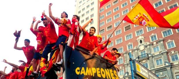 España ganó a Ucrania y defenderá el título