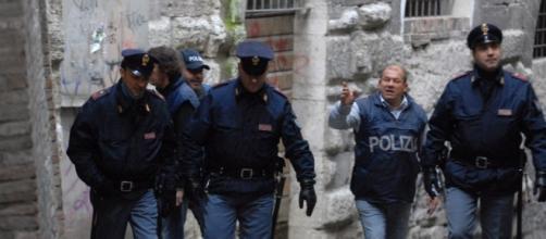 Gli agenti di Polizia di Stato in azione