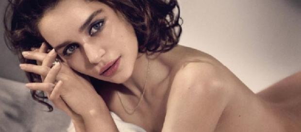 Emilia Clarke super sexy su Esquire
