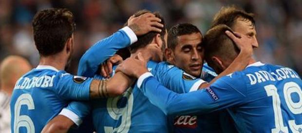 Jugadores del Napoles celebrando un gol Fuente:AFP