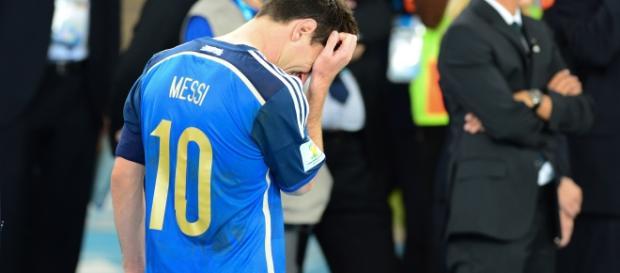 Messi desolado tras perder la final del mundial.