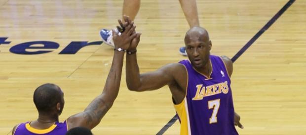 Odom, Bryant y Artest en un partido con los Lakers