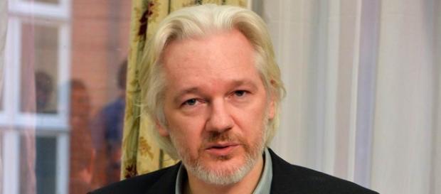 Tolta sorveglianza permanente ad Assange