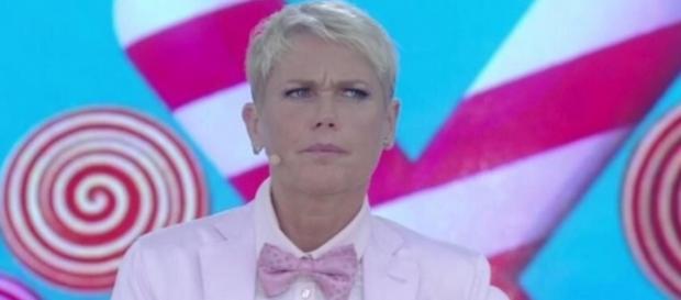 Xuxa reclama por censura política