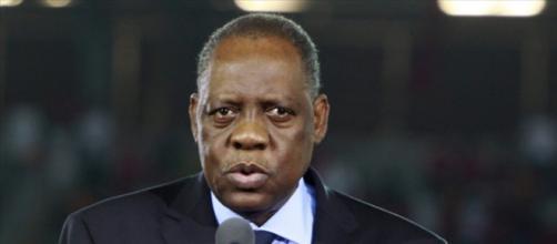 Issa Hayatou, président par intérim de la FIFA