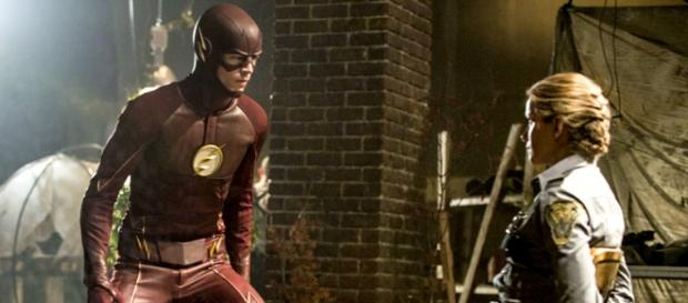 Barry Allen e Patty Spivot in The Flash 2x02