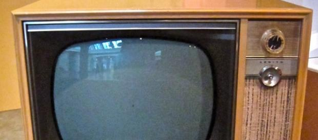 foto che ritrae un apparecchio televisivo