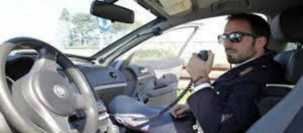 La Polizia di Stato al lavoro durante le indagini