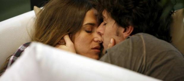 Tra Barbara e Manfredi un amore bollente