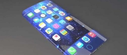 Nuovo Apple iPhone 7 con schermo curvo?