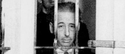 Lluís Companys tras las rejas de la cárcel.