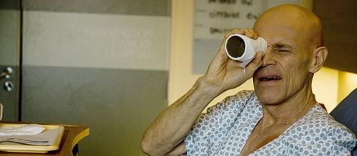 O ator Willem Dafoe em cena de 'Meu Amigo Hindu'
