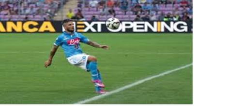 Lorenzo Insigne in campo contro la Fiorentina