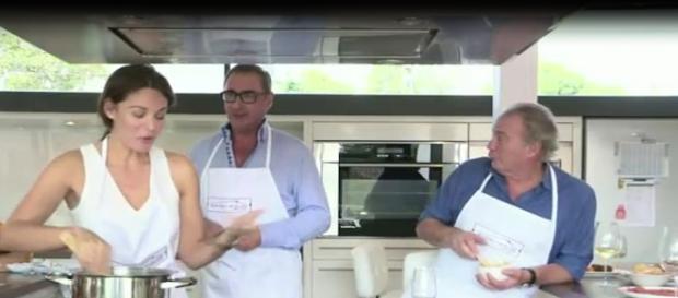 El periodista cocinando en la casa de Bertin