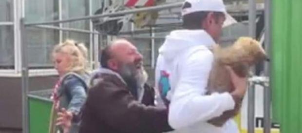 O vídeo gerou reações de revolta na França.