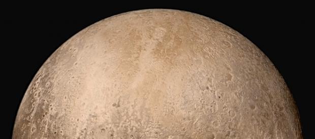 Plutão apresenta geologia fora do comum. Wikimedia