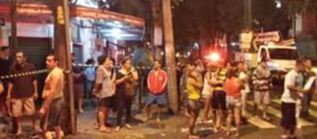 Explosão destroi imóveis em São Cristóvão, RJ