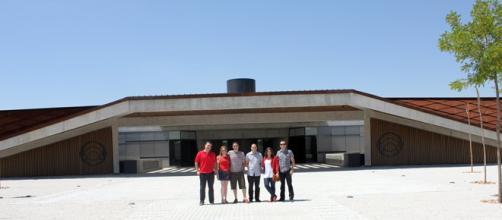 Turistas visitando Portia, de Norman Foster
