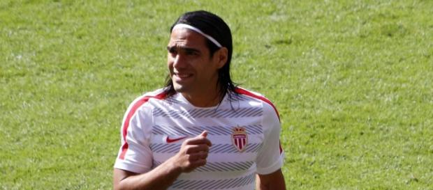 Falcao, entes de un partido con el AS Mónaco