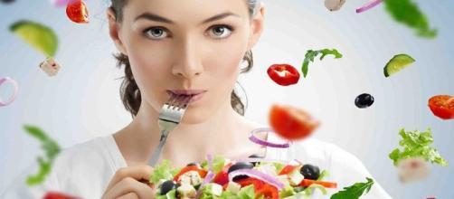 Auxilia as dietas com alimentos simples.