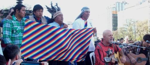 Desde febrero, los Qom acampan en la 9 de Julio