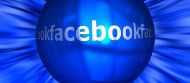 Facebook, bombardat de atacuri cibernetice