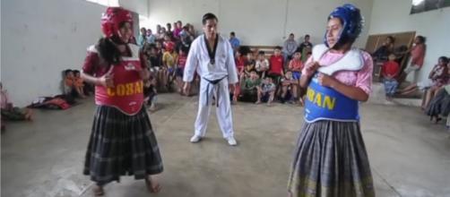 Las niñas taekwondistas de Tipulcan