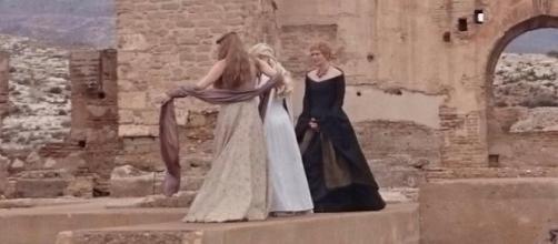 La foto de las tres Reinas @JuegodeTronosTM