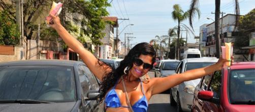 Renda melhorou após ir às ruas, afirma Claudia