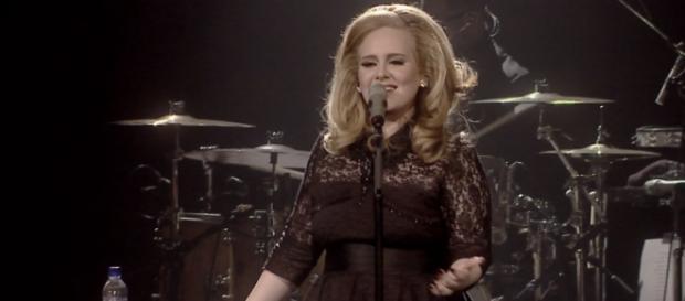 Cantora Adele voltará a se apresentar
