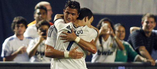 Ronaldo abraçou sem problemas o seu fã.