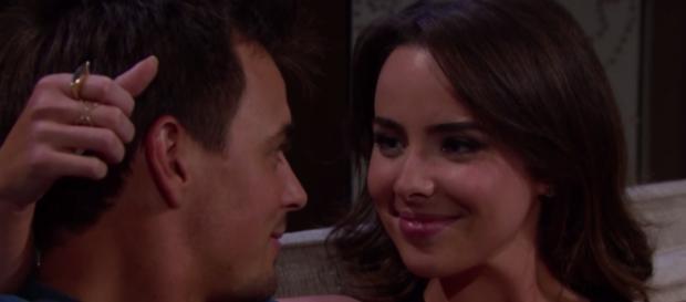 Wyatt confessa a Ivy di amarla