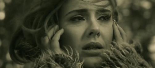 La cantante Adele en el videoclip 'Hello'