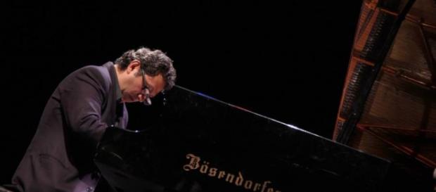 Héctor Infanzón en concierto del Festival JAZZUV