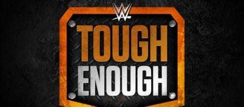 Logotipo do programa Tough Enough.