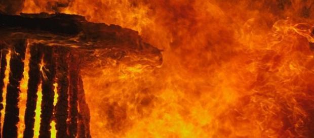 Orașul Sodoma a sfârșit ars de flăcări.
