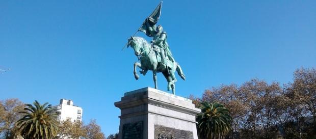 Plaza San Martín, frente a la Gobernación. Rosario