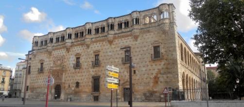 Fachada del Palacio del Infantado