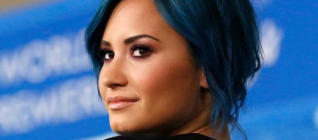 Demi Lovato tem sofrido com a loucura dos fãs.