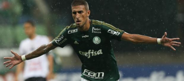 Rafael Marques estava sumido no jogo.