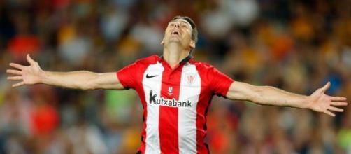 Aduriz celebra un gol en la Supercopa de España