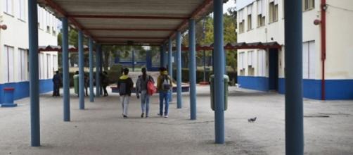 Aluno entrou armado em colégio